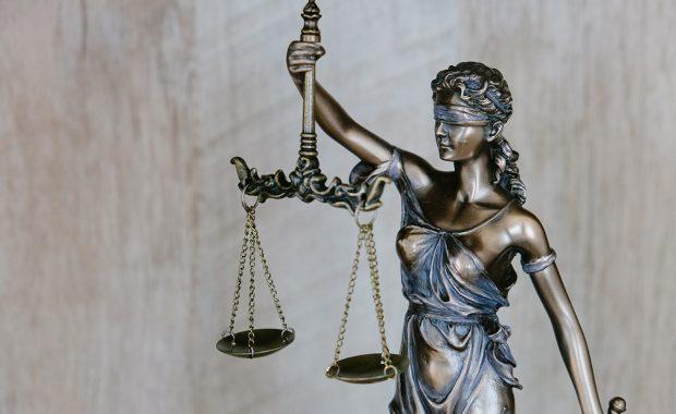 choosing criminal defense attorney